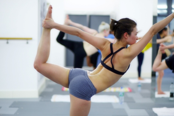 planning-to-join-a-bikram-yoga-class?-here's-what-you-should-know
